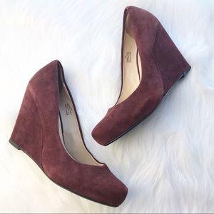 Halogen burgundy closed toe Wedges Sz 7